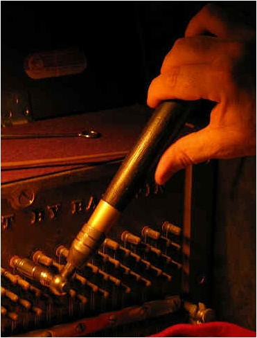 baldwin-piano-tuner