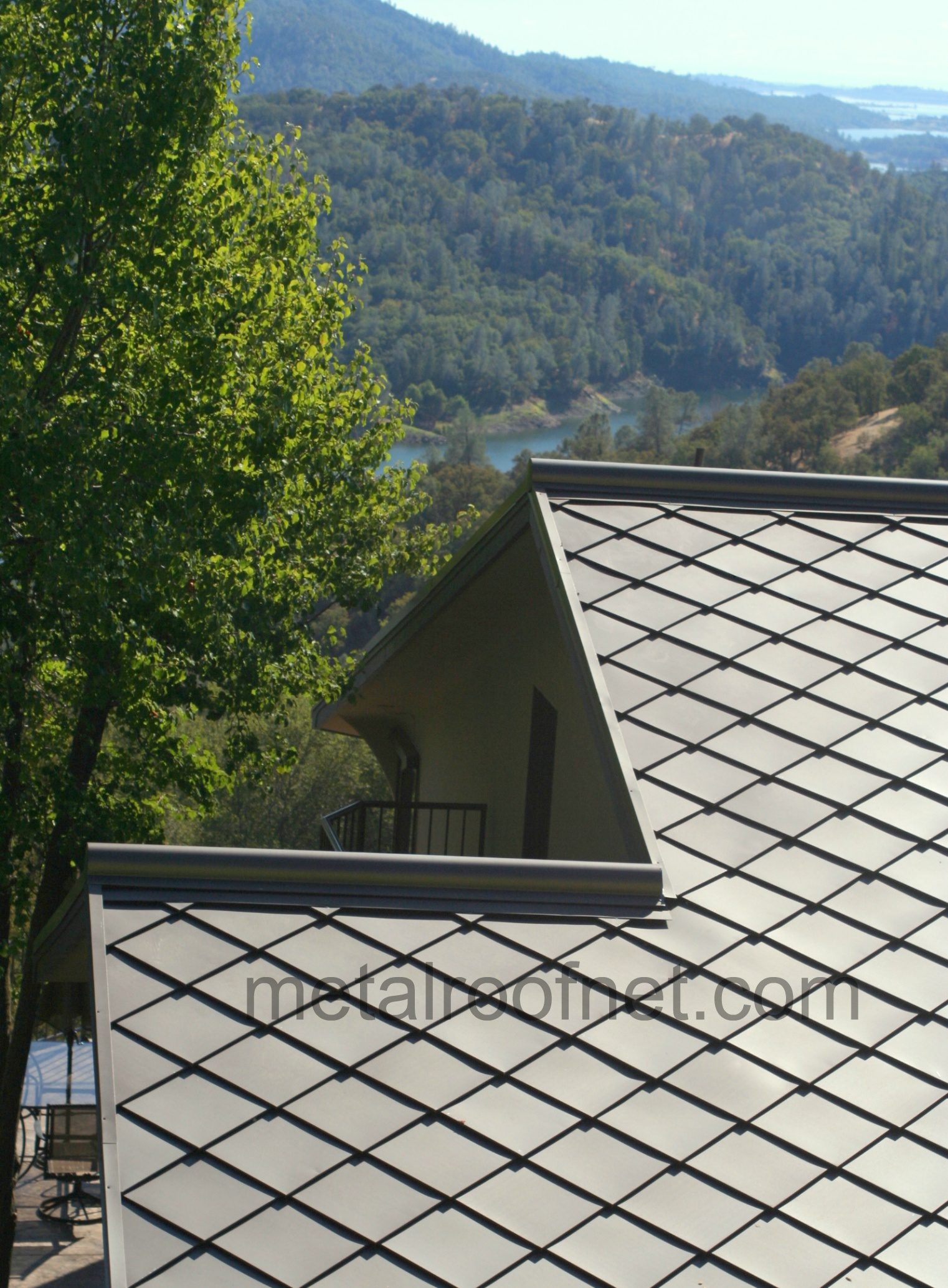 Prices And Styles Of Metal Diamond Roof Shingles And Tiles