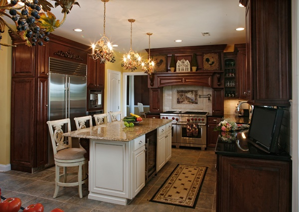 Incredible 3 Cases For A Contrasting Kitchen Design Home Interior And Landscaping Ologienasavecom
