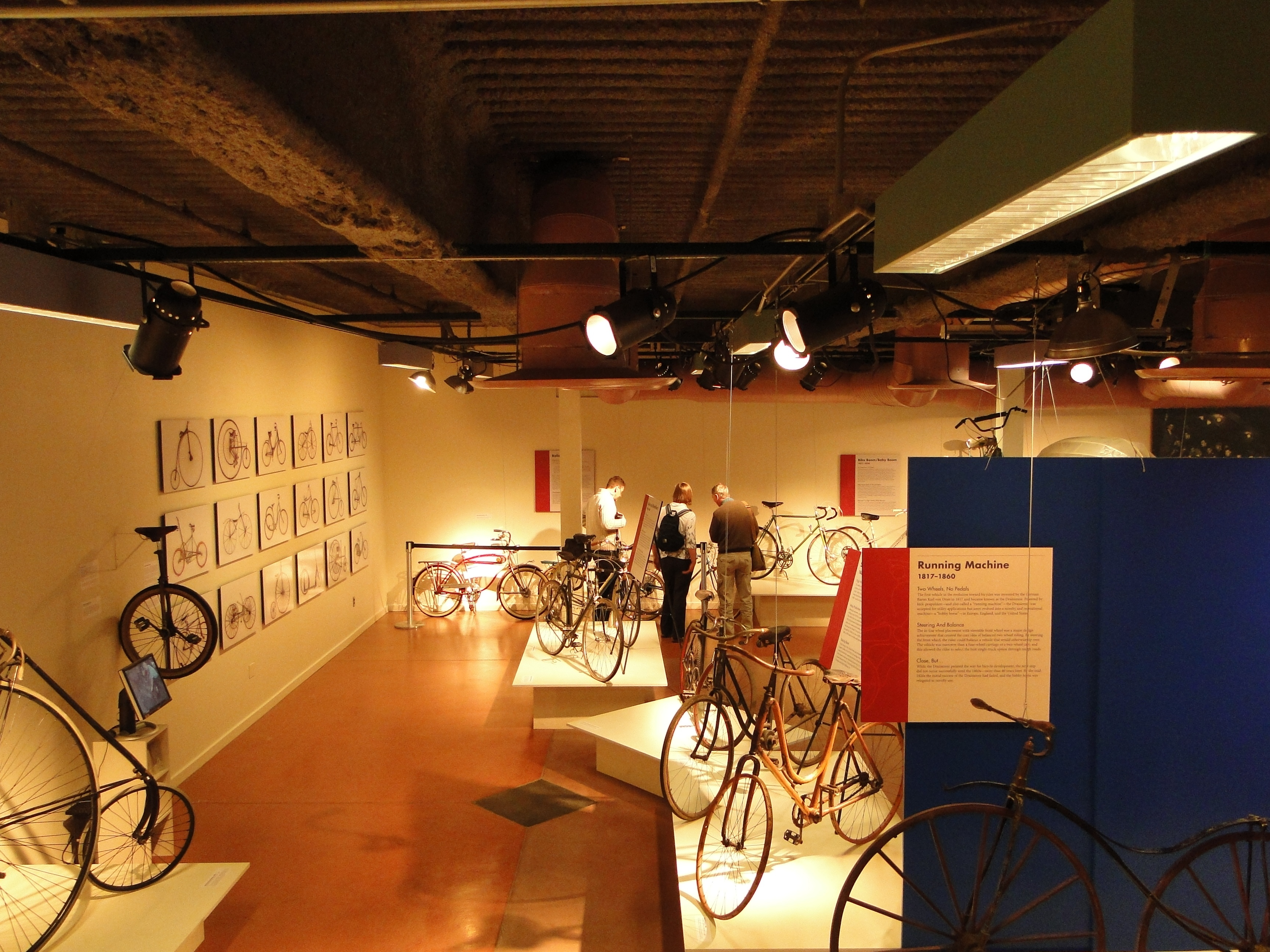 Historic_bicycles_at_the_U.S._Cycling_Hall_of_Fame.jpg