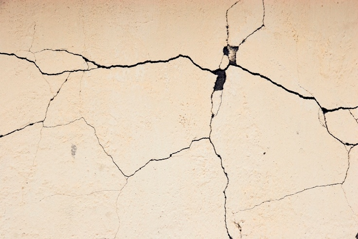 House painters pro tips filling gaps cracks nail holes How to fill a crack in the wall