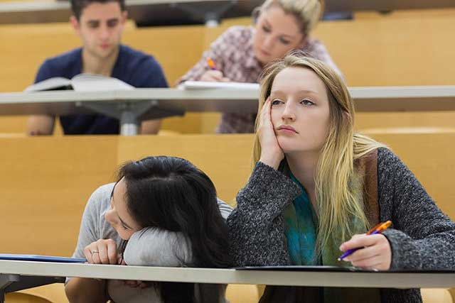 Dropping studies at higher education and the benefits of continuing