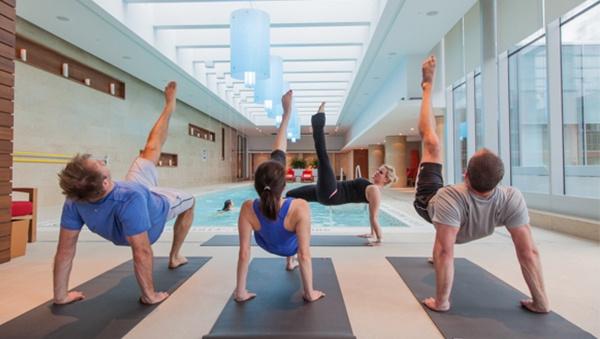 https://cdn2.hubspot.net/hubfs/1564584/A-HotelSpaces/Blog%20Images/Torontos-Shangri-La-Gym-Facilities.jpg