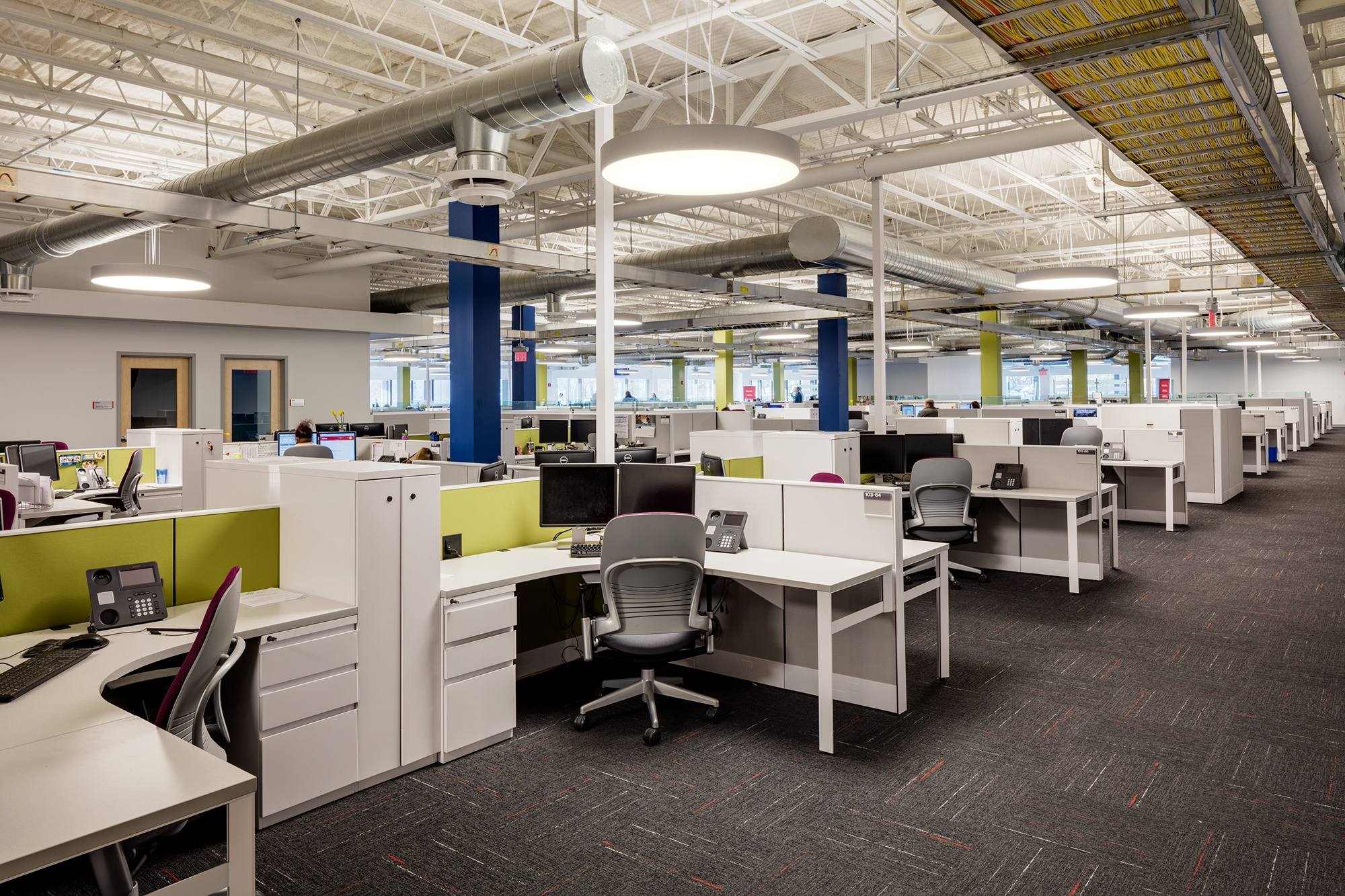 Comcast-open-office-area-1