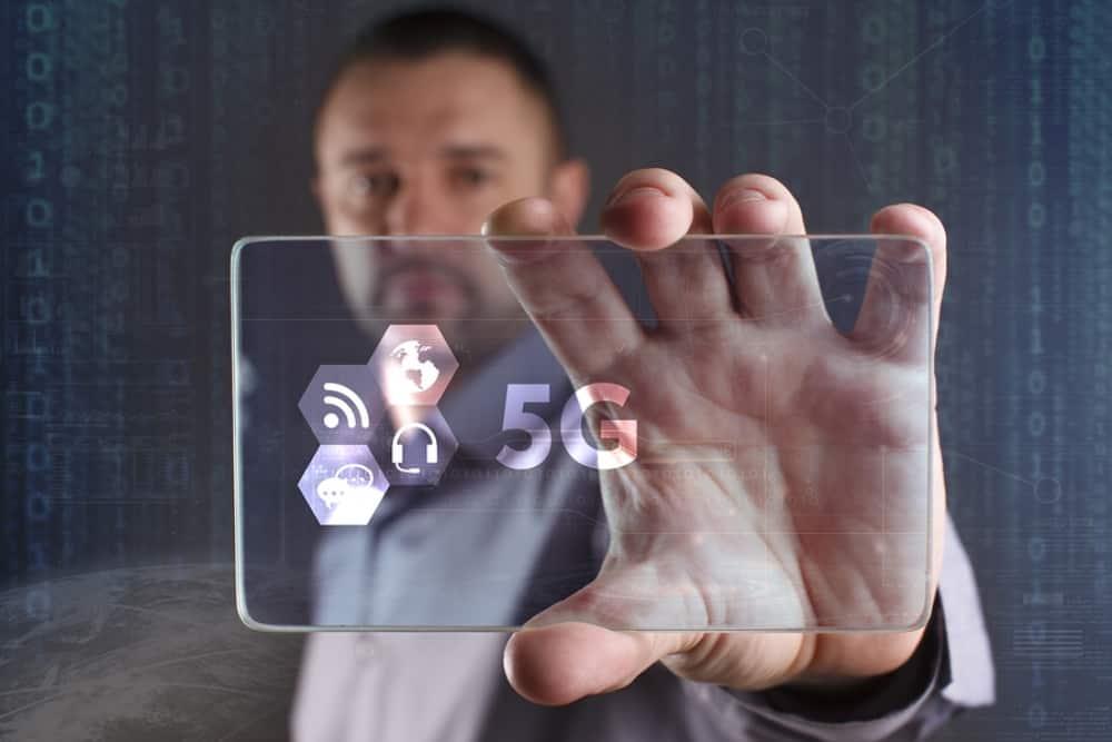 5Gsmartphone.jpg