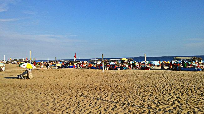 Busy_Beach