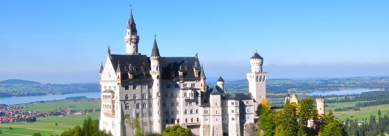 Scroll_Banner_-_Castle