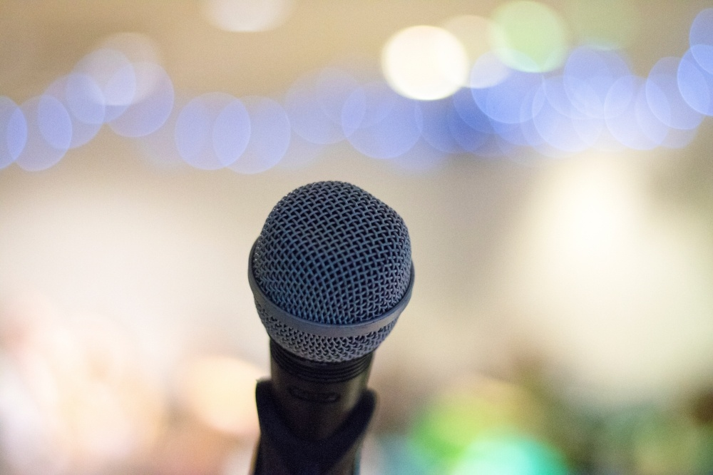 microphone_blurred-background-511868-edited.jpg