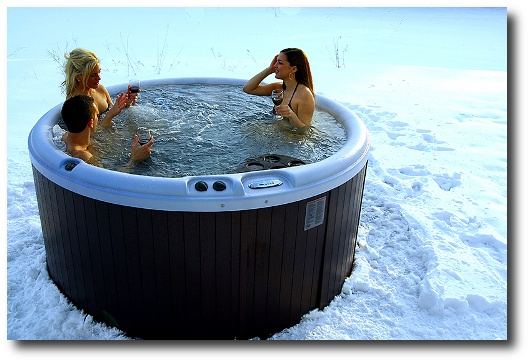 Nordic-Hot-Tubs-model-Warrior-XL-deep-soaking-tub.jpg