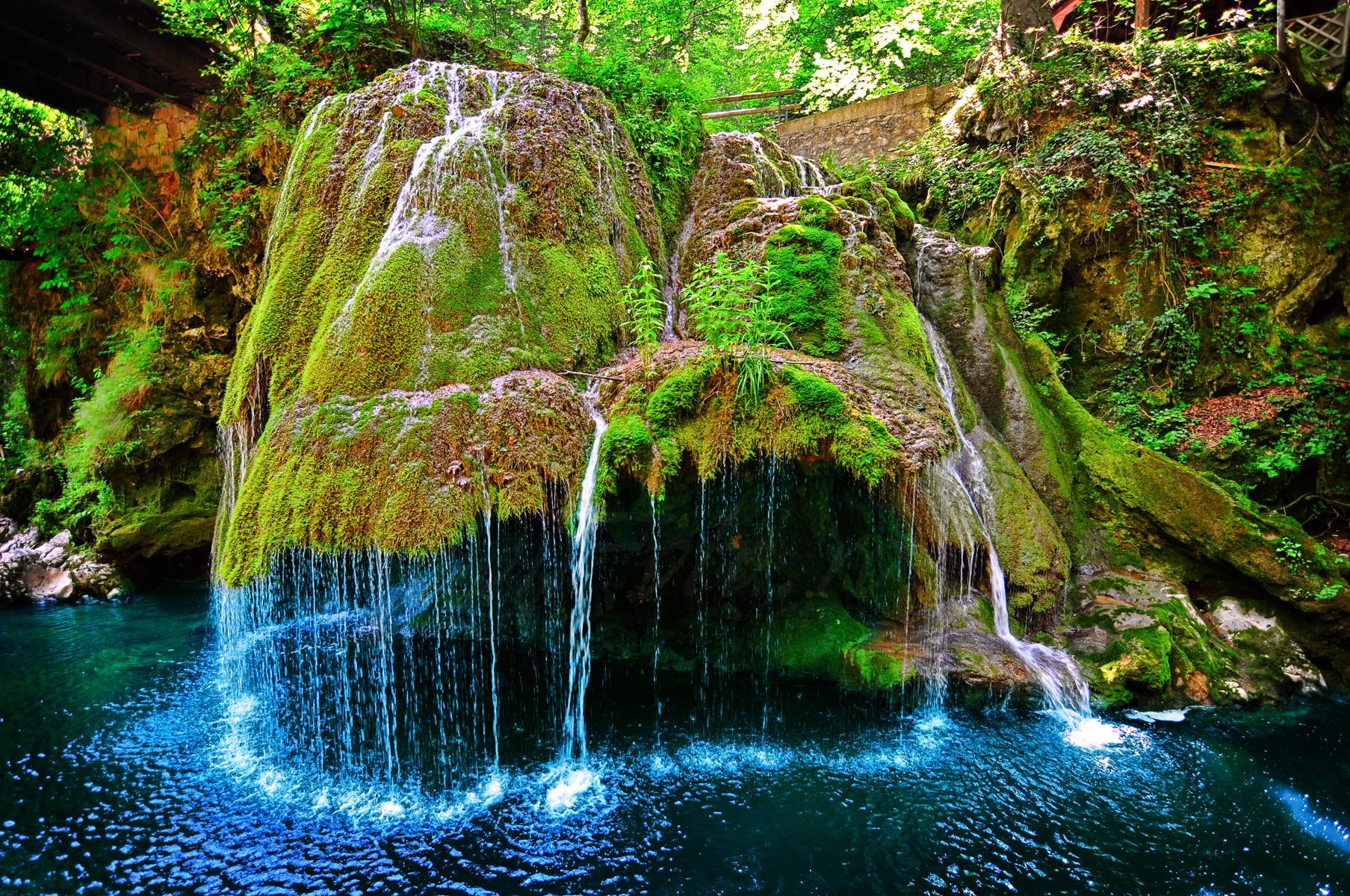 http://cdn2.hubspot.net/hubfs/171614/waterfall-1.jpg