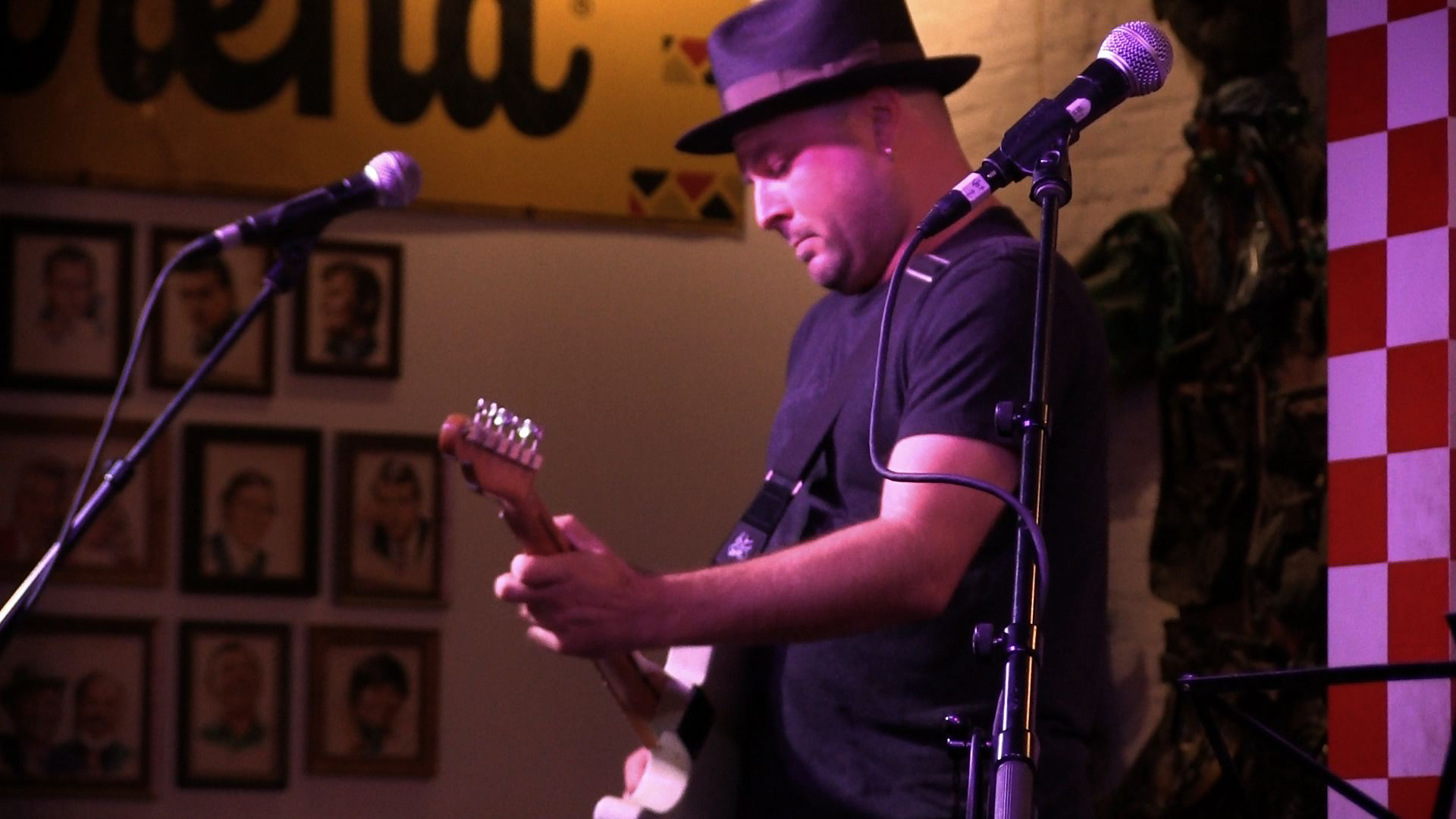 guthrie trapp playing country guitar live in nashville