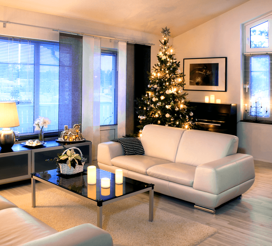 Selling a Home in Winter: The Benefits and Tips You Should Know Christmas Tree Image
