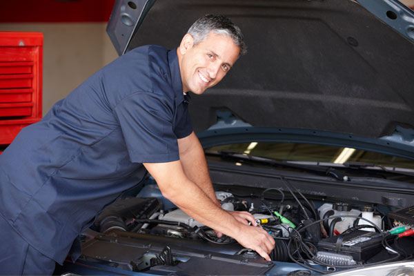 Unsecured-Business-Loans-Auto-Repair-Shop-iStock_24957026_Index.jpg