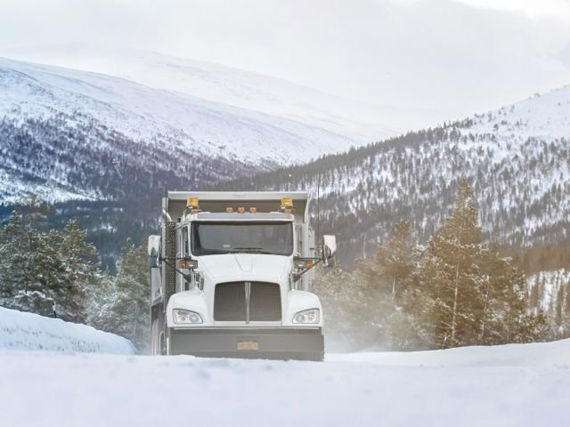 How does winter weather impact the efficiency of fleets?