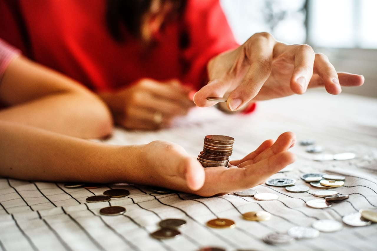 people-stacking-coins