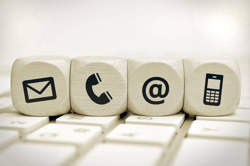 llamada-o-correo-electronico-email