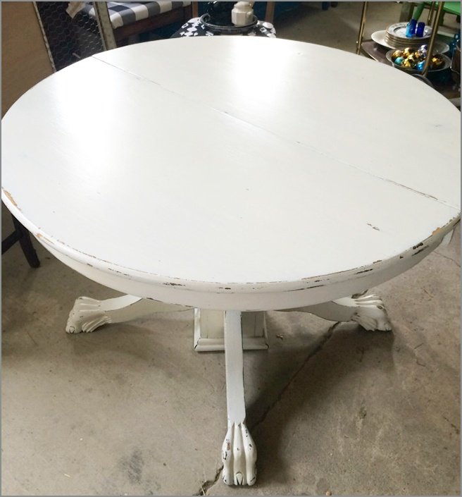 Empty-Dining-Table