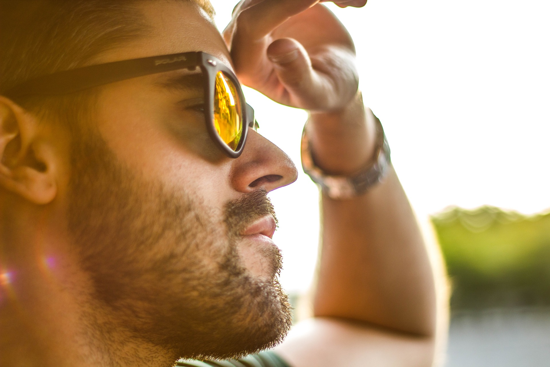 Without proper UV protection, counterfeit sunglasses can harm consumers' eyes, or even cause blindness