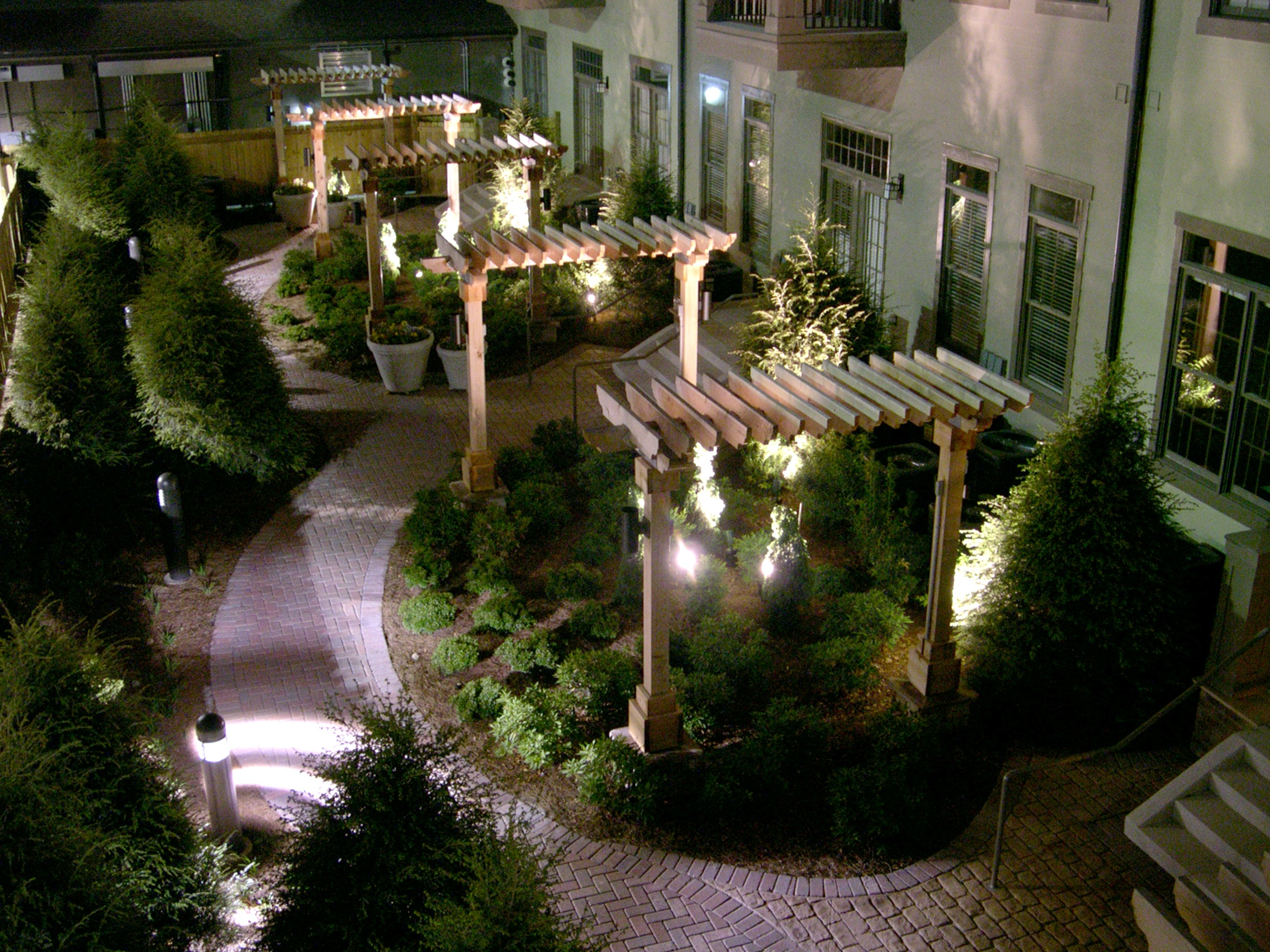 landscaping is one way to get tenants to renew their lease through landscaping