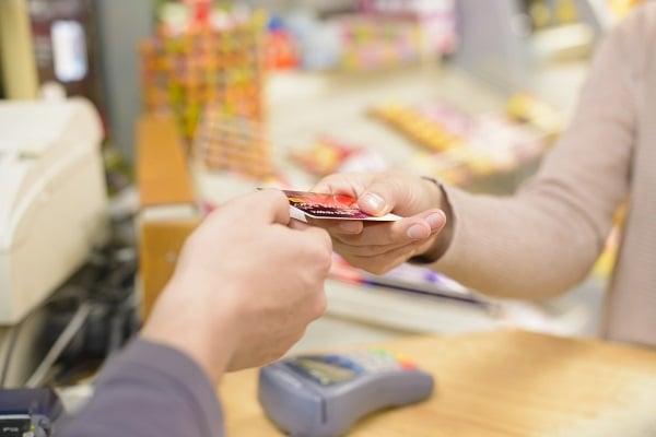 Gatemaster Chargeitpro customer paying with credit card.jpg