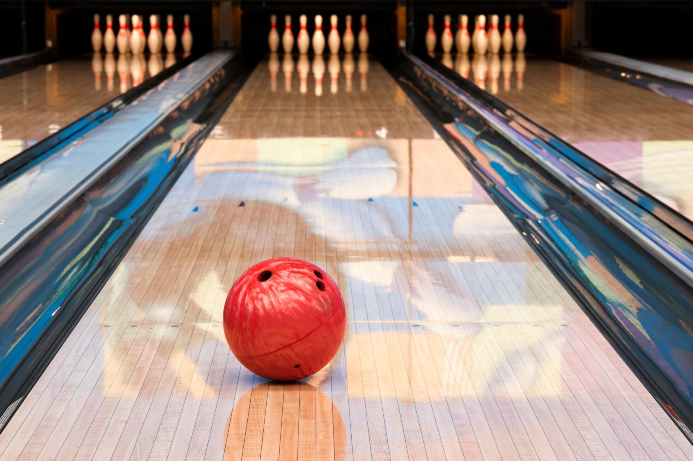 Bowling_alley.jpg