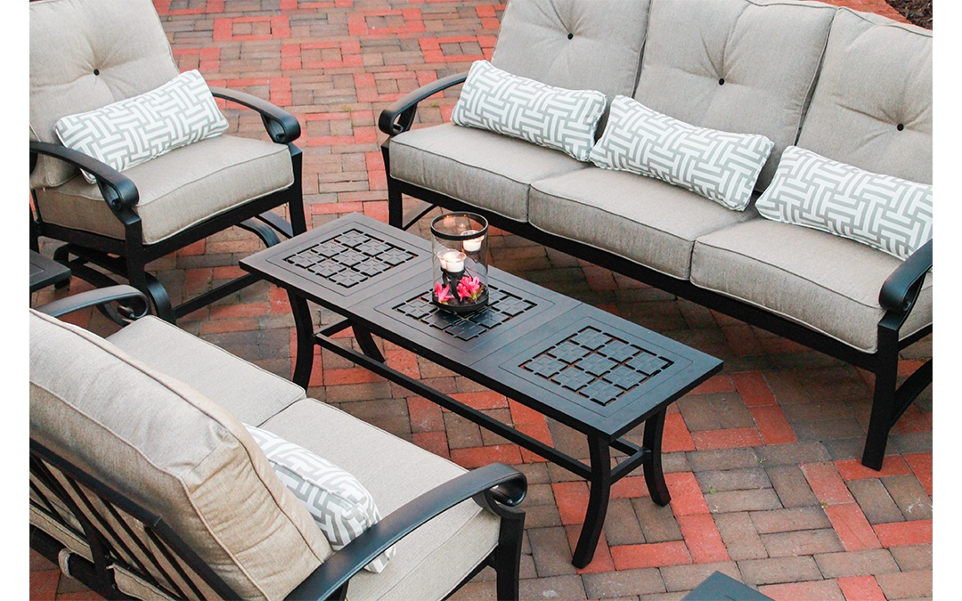 crimson casual outdoor furniture in