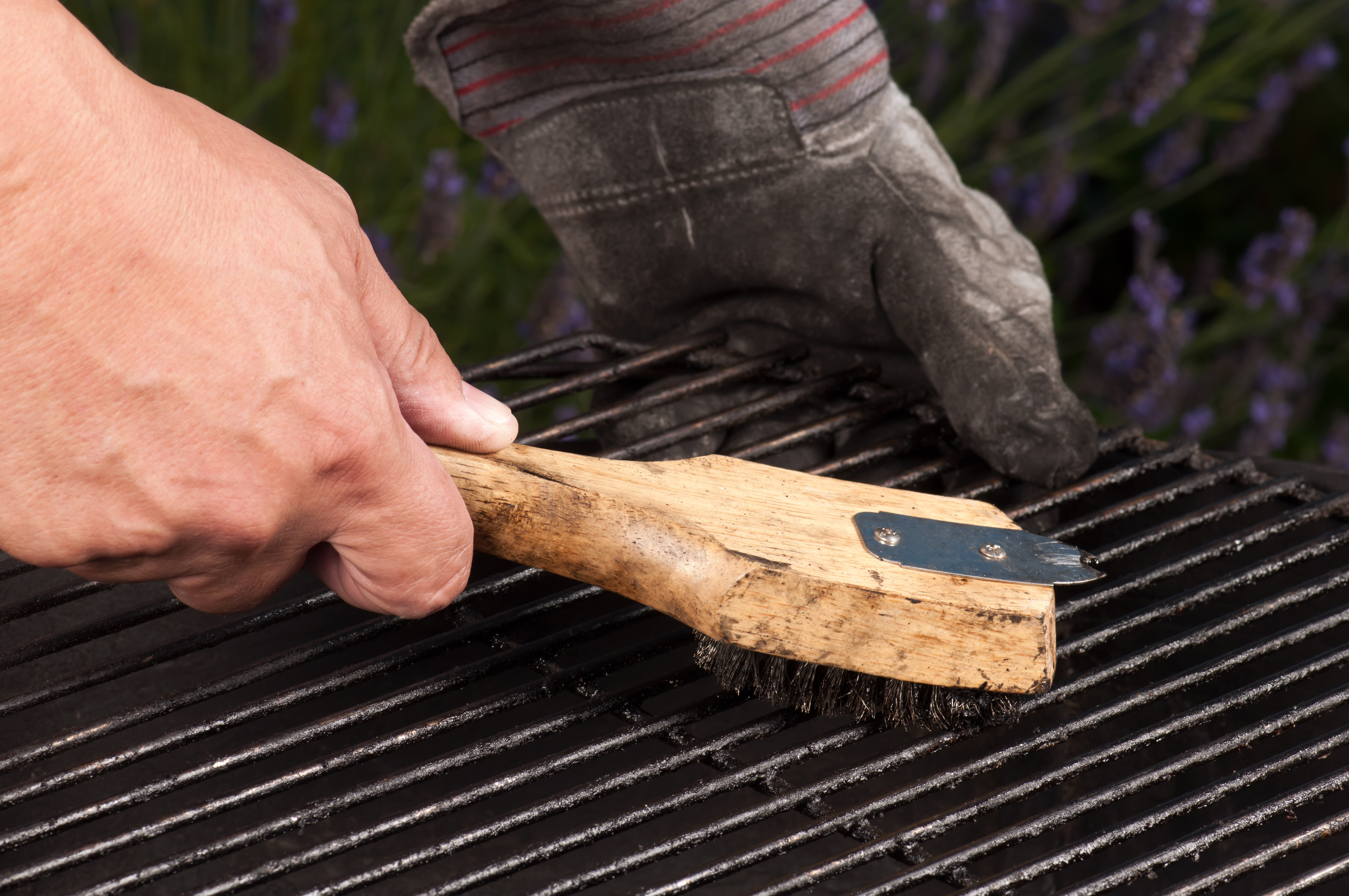 4 Steps To Maintaining Your Baton Rouge Charcoal Grill