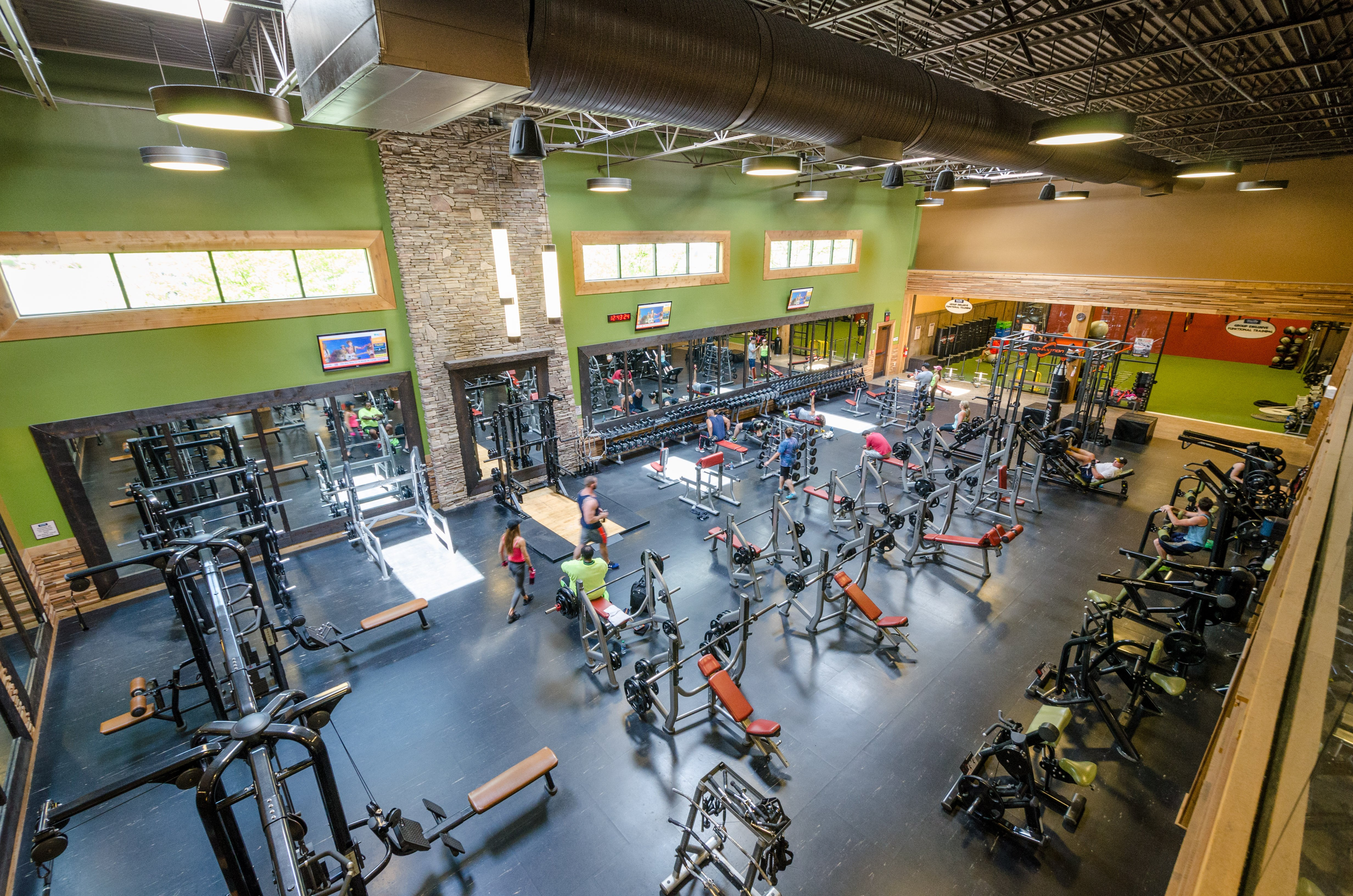 Newnan gym and health club onelife abundant amenities kristyandbryce Image collections