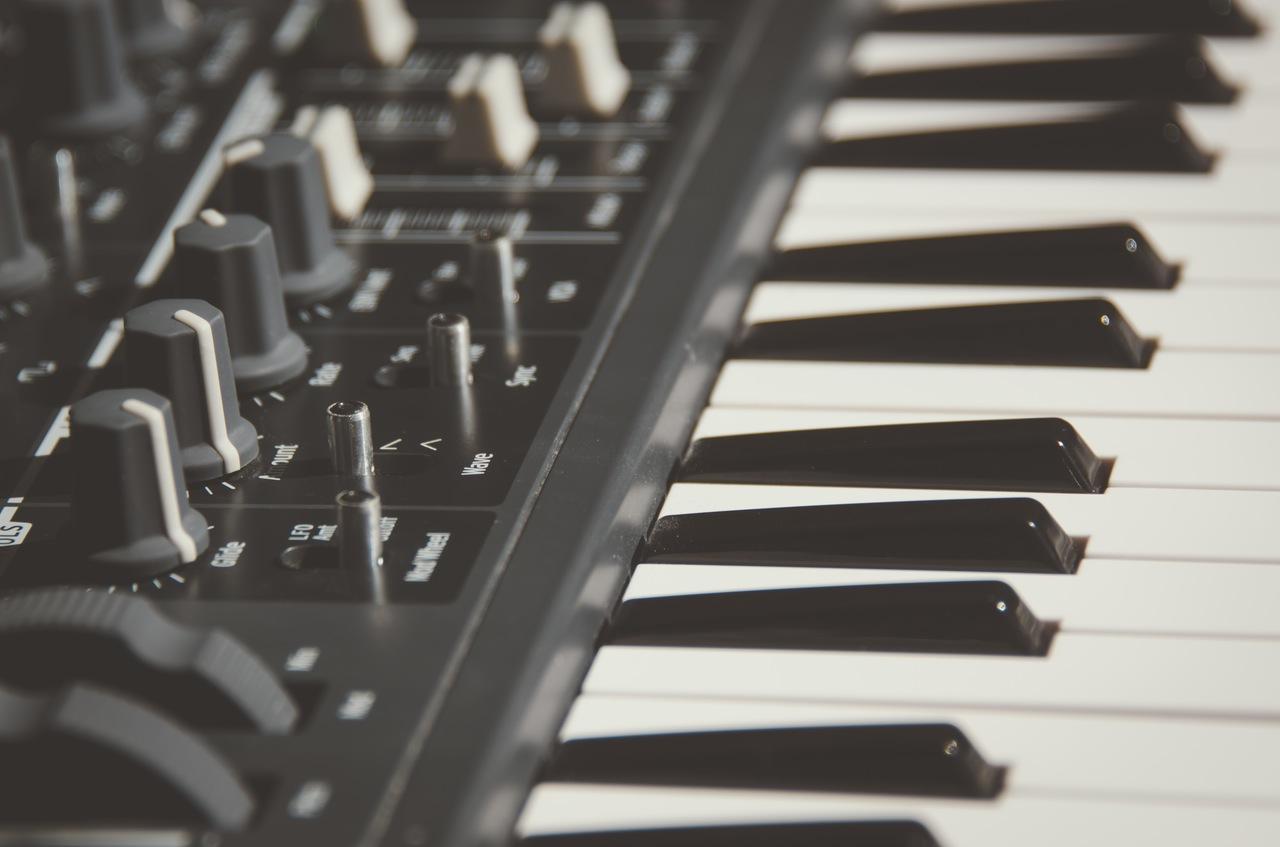 virtual reality music keyboard