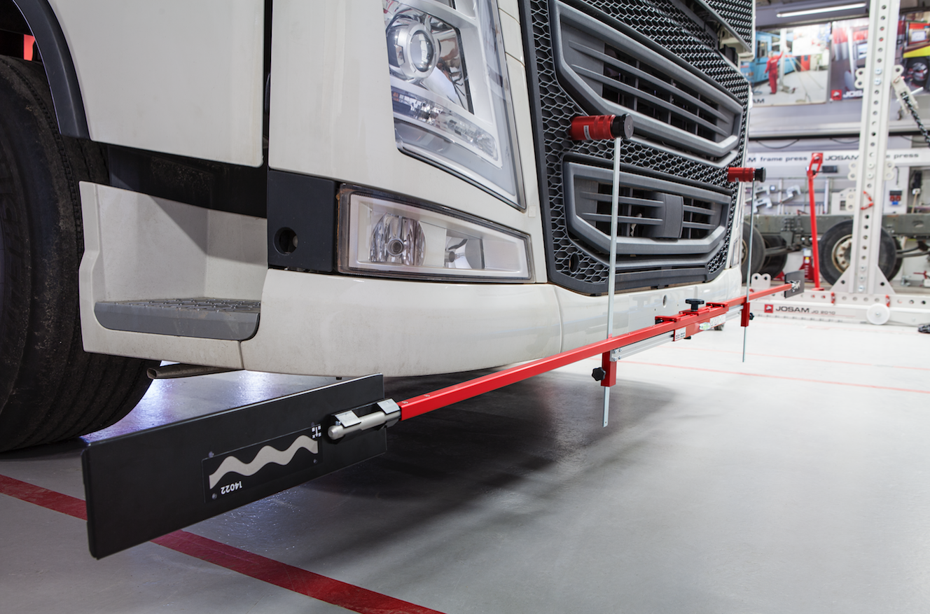 In partnership with our supplier JOSAM, the Levanta team have put together this guide to when and why you should think about carrying out a wheel alignment on commercial vehicles.