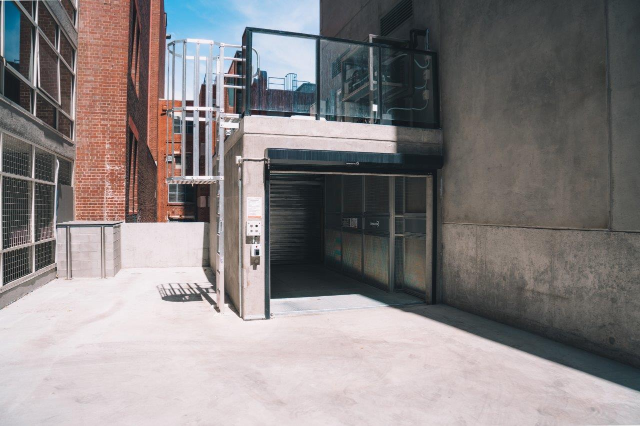LevantaPark installed a simple yet robust OMER Totalmove 30L at the brand new Novotel in central Melbourne to safely & quickly move cars between 3 floors.