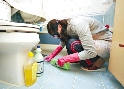 Bleach Fumes, Clean and Healthy or Danger-Stay Away?