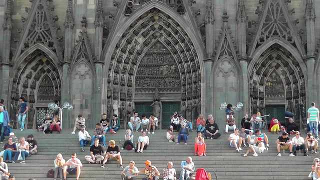 cologne-cathedral-179326_640.jpg