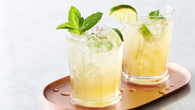 non-alcoholic-sparkling-mint-lime-iced-tea