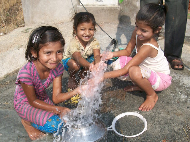 Clean_Water_India_Girls.jpg