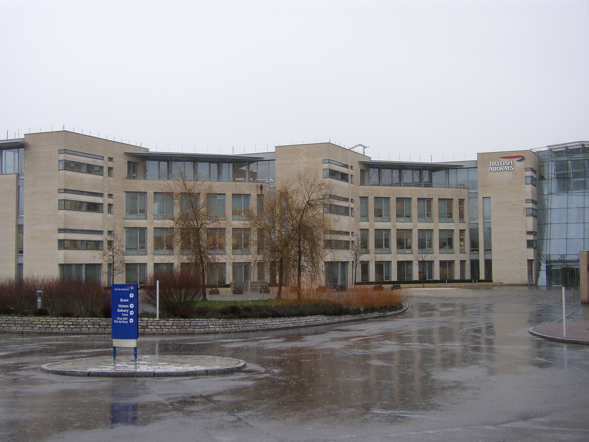 Frost resistant Chamesson B7 French limestone cladding stone on British Airways HQ