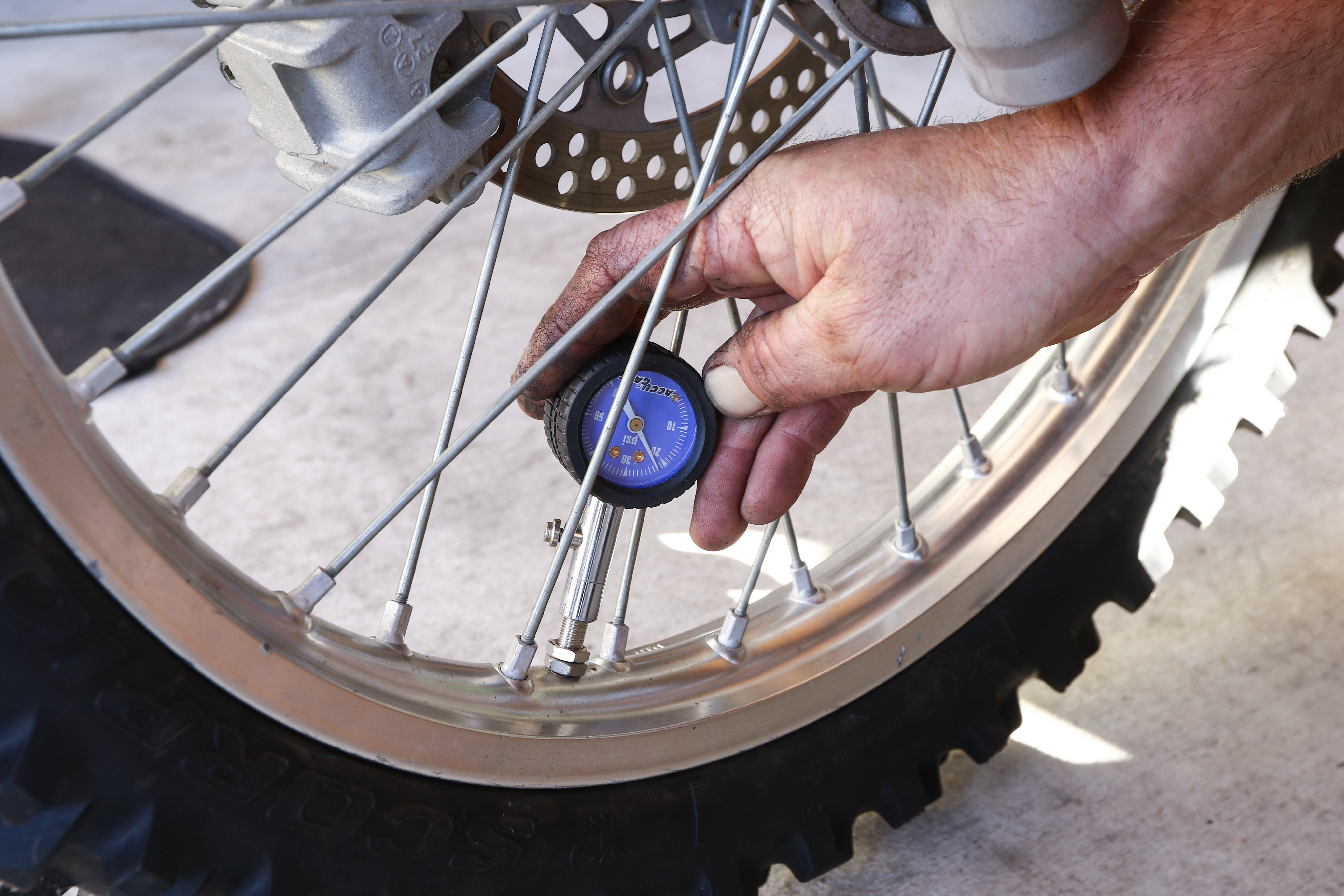 7 Things that Should be on your Dirt Bike Maintenance Checklist