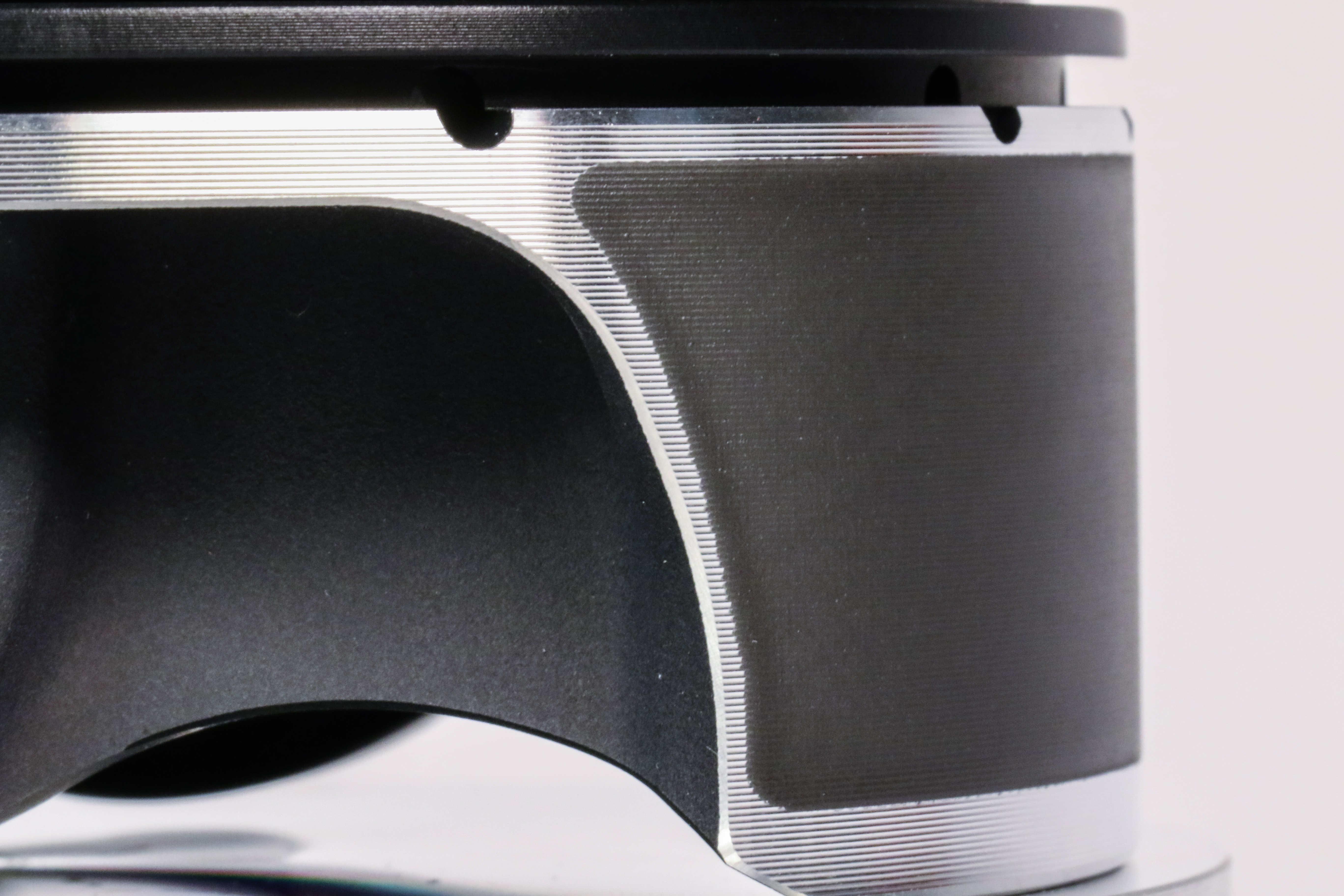 Wiseco's New Black Edition Harley Davidson Pistons with Industry