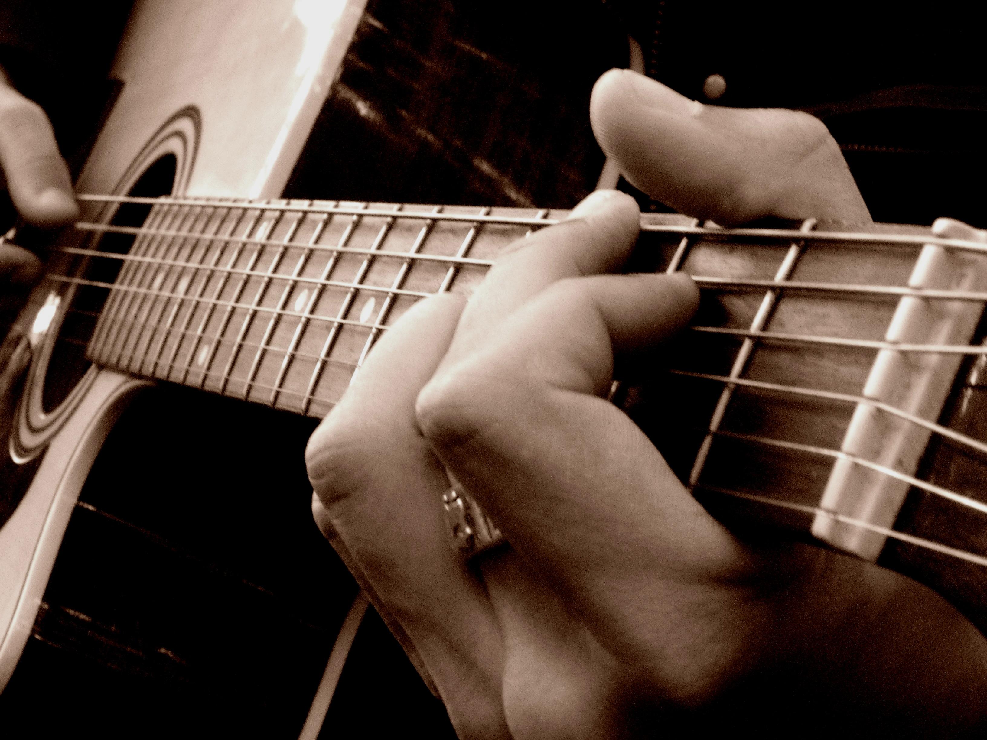 quelle guitare jazz pour debuter