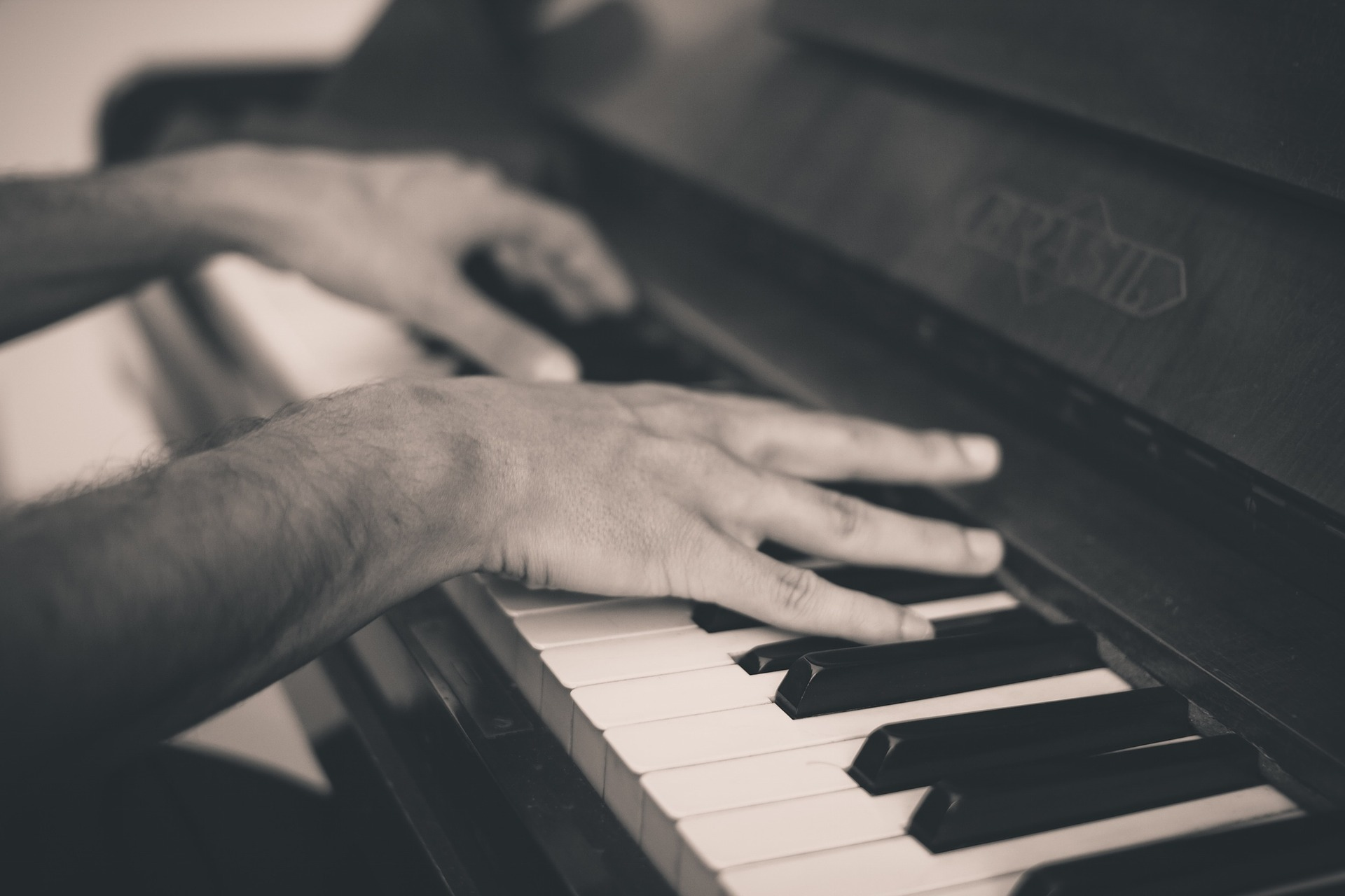 piano-691716_1920