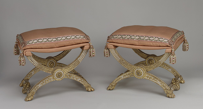 curule-stool-early-christian-furniture