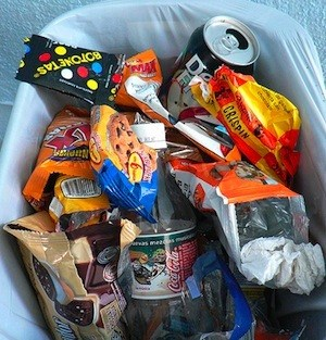 Throwing away junk food from house to be healthier