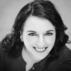 Kat Tretina Headshot