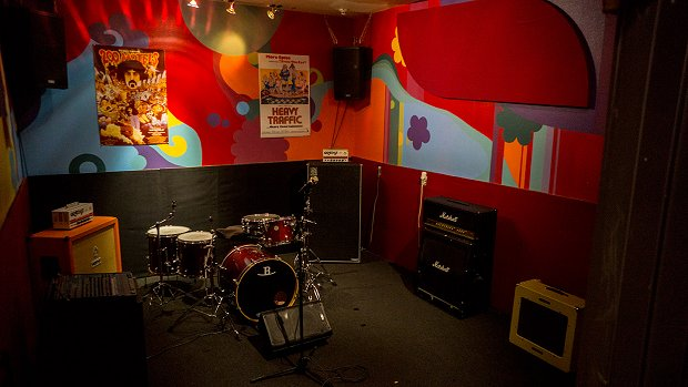 top 5 rehearsal spaces in los angeles for bands on a budget. Black Bedroom Furniture Sets. Home Design Ideas