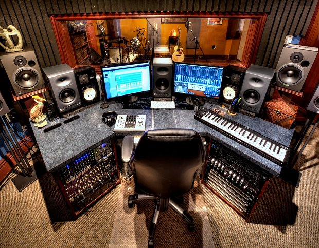 Awe Inspiring Your Home Recording Studio How To Keep Your Sessions On Track Largest Home Design Picture Inspirations Pitcheantrous