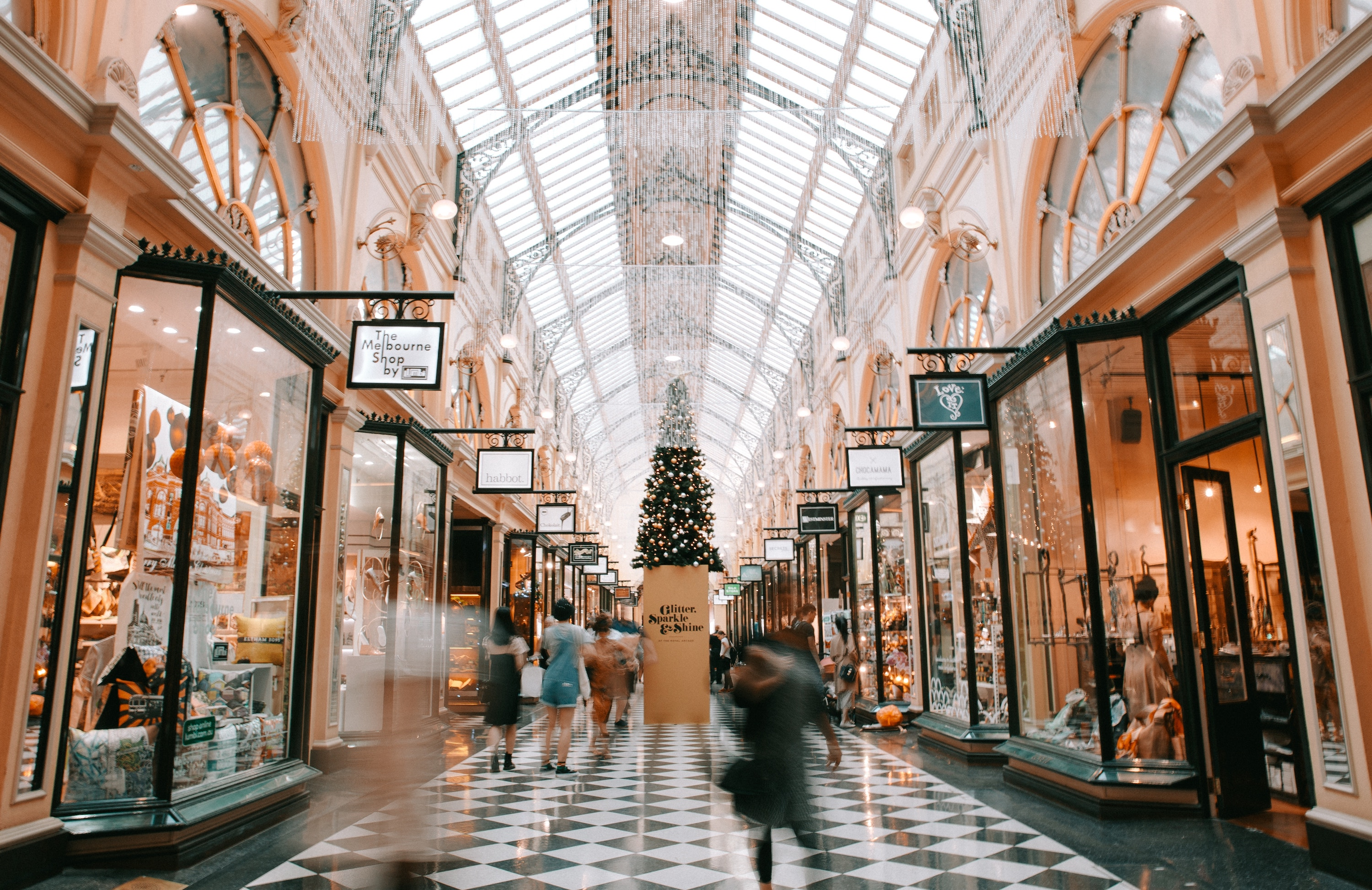 The 6 Major Ways That IT Is Disrupting the Retail Industry (and What You Can Do About Them)