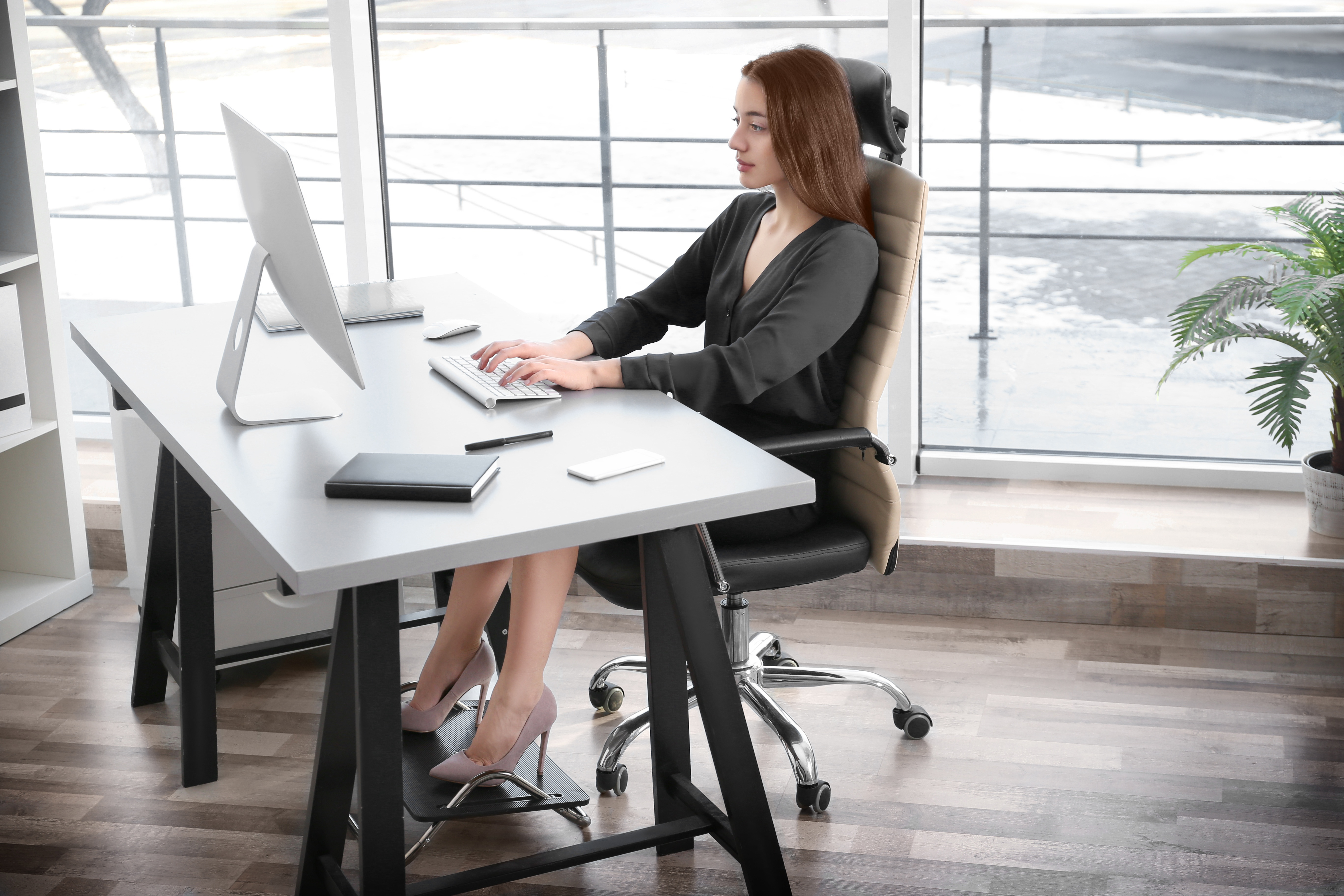 Encourages Good Posture. Ergonomic office chairs.