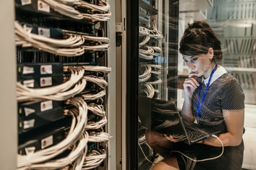 Tips to Handle the Flood of IT Support Requests as the Technology Landscape Shifts