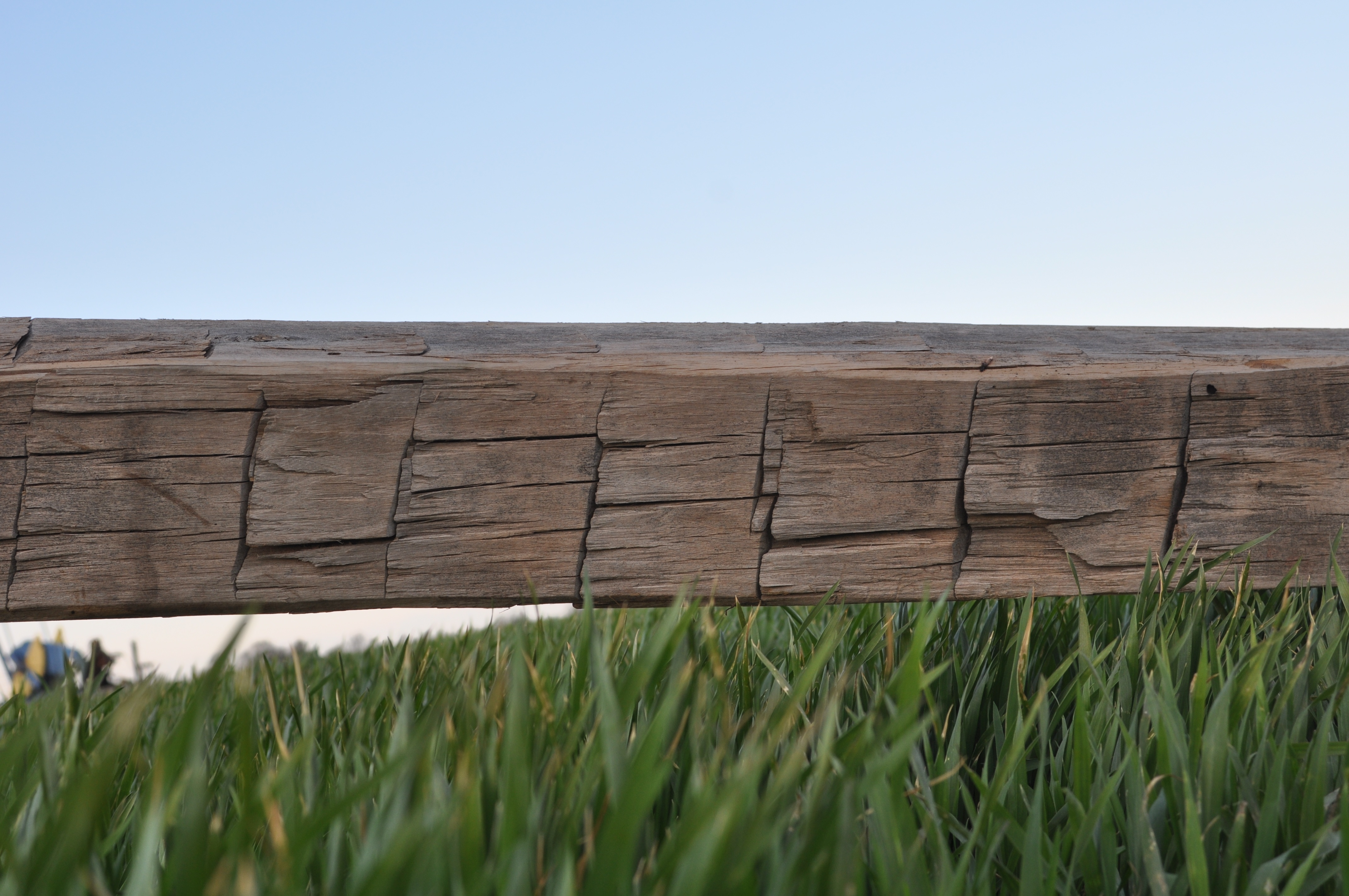 3 Best Ways To Clean Reclaimed Wood From Old Barns To Use