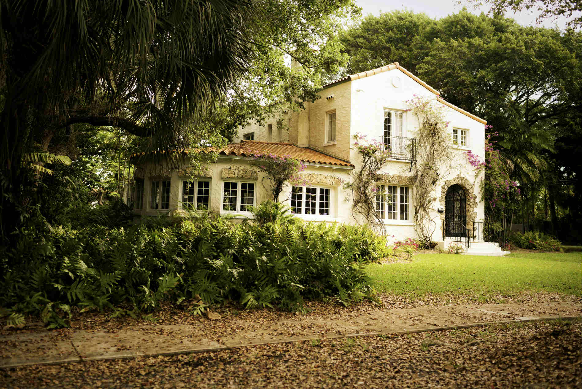 Outstanding Which Neighborhoods Have The Most Desirable Houses For Sale Home Interior And Landscaping Elinuenasavecom